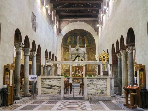 Interior de la iglesia de Santa Maria in Cosmedin