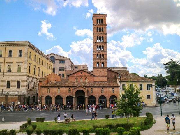 Fachada de la iglesia de Santa Maria in Cosmedin
