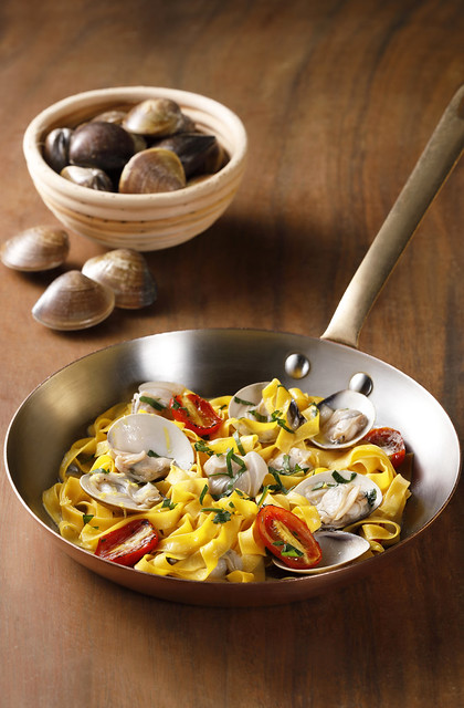Fettuccine with Clams and Roasted Cherry Tomatoes