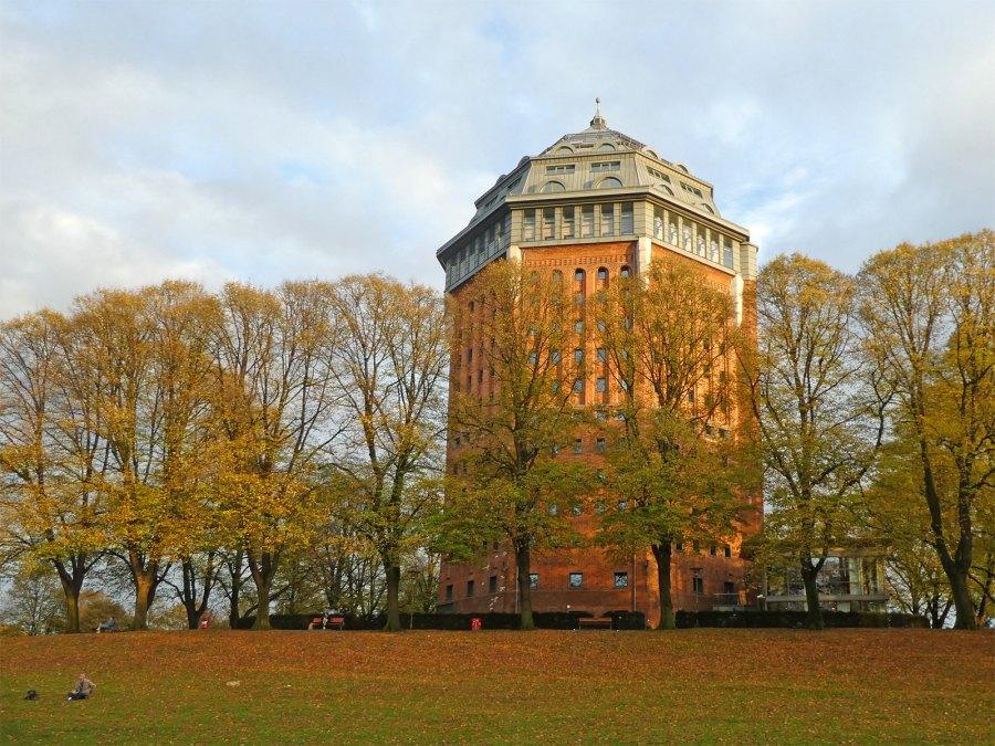 van watertoren tot hotel: de Schanzenturm in Hamburg