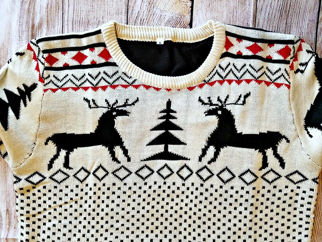 Ugly Christmas Sweater 2019 Review @uglyXsweater @SMGurusNetwork #HGG19 #MySillyLittleGang