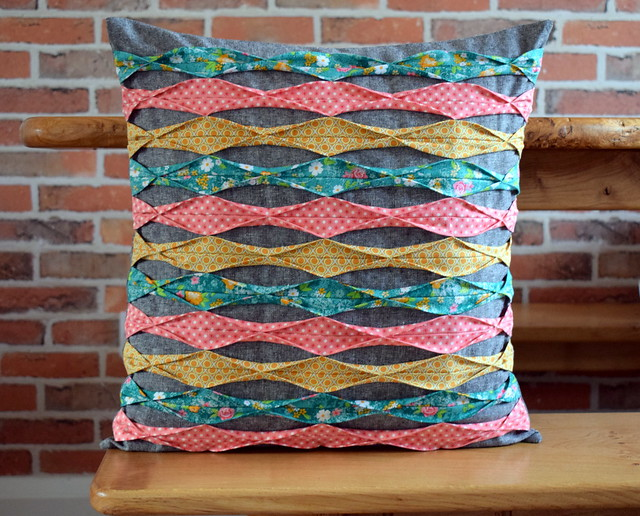 Cushion with Tucks (class sample)