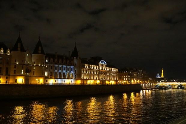 La Seine & Conciergerie, Île de la Cité
