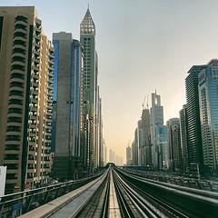 Day 2 - golden hour in Dubai from the metro - you have to see it to believe it #metro #skyscrapers #sunset #light #shotoniphone #dubai #visitdubai #mydubai #uae #dubaiphotography #dubaitoerism #dubaicity #timeoutdubai #dubaipage #travel #instatravel #wand