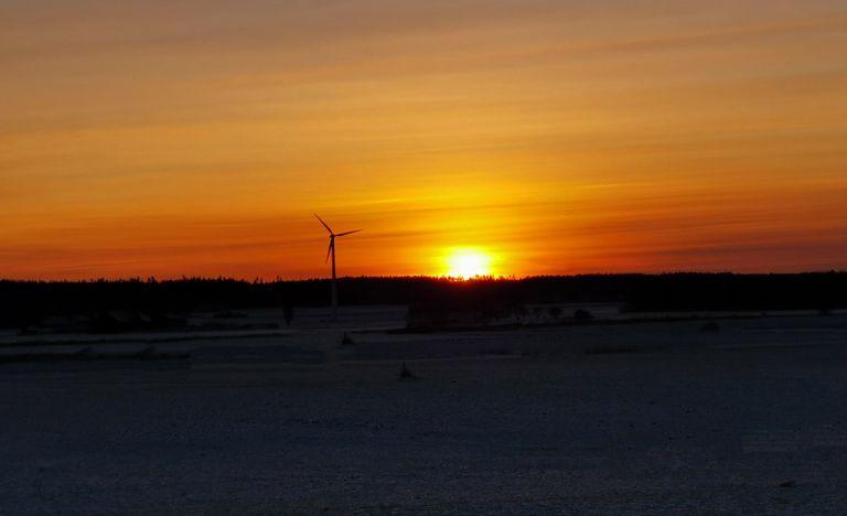 Solnedgång, vindkraftverk, Spånga, Vingåker, 2019-12-10
