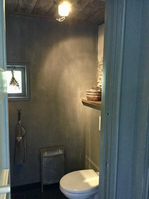 Badkamer betoncire landelijk