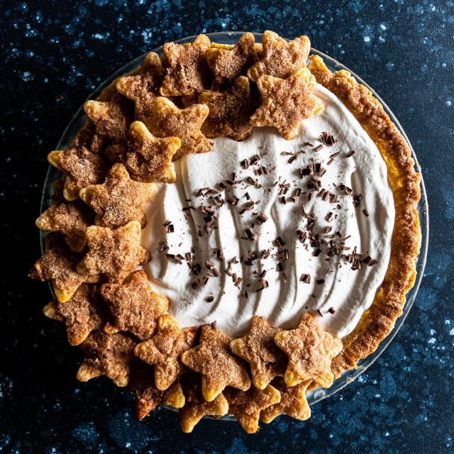churro banana cream pie