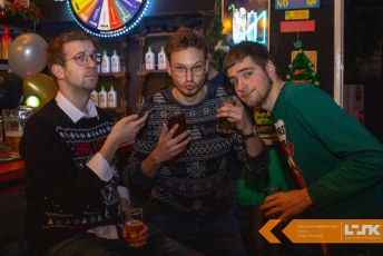 Christmas_Sweater_Drink6