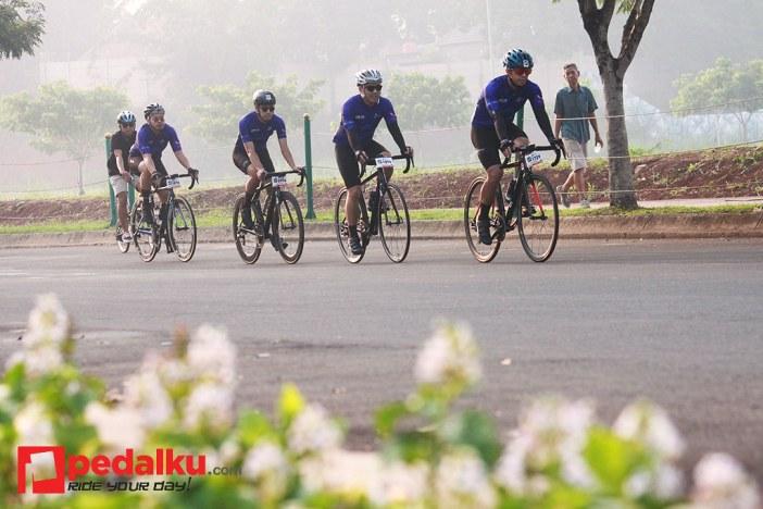 1024 road bike