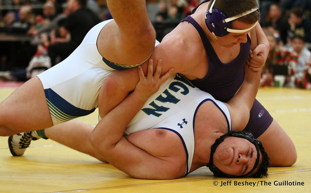 285 Semifinal - Bennett Weber (Waconia) 9-1 won by major decision over Diego Villeda (Eagan) 11-4 (MD 8-0). 191221AJF0375