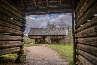 Cantilever Barn - Tipton Place