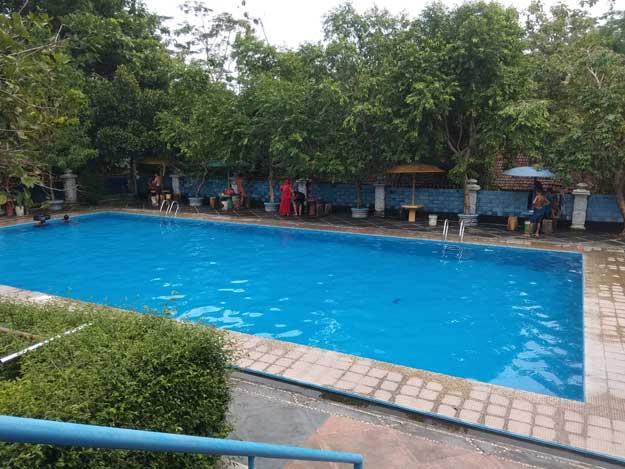 kolam-renang-kedalaman-2-meter