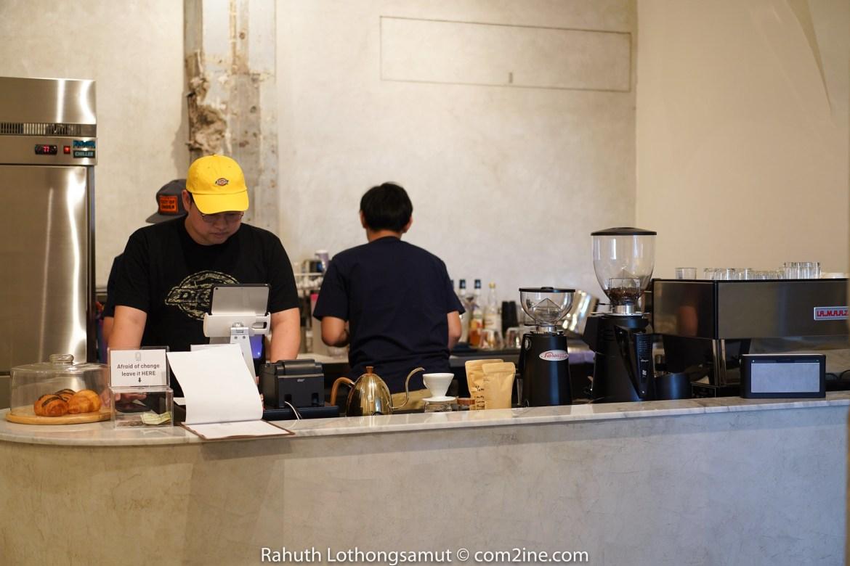 บาร์สั่งเครื่องดื่ม ARCH Cafe - คาเฟ่ติด บีทีเอส ปุณณวิถี