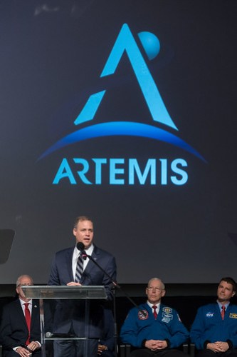 NASA Administrator Jim Bridenstine addresses visitors attending the graduation of the 2017 Class of Astronauts
