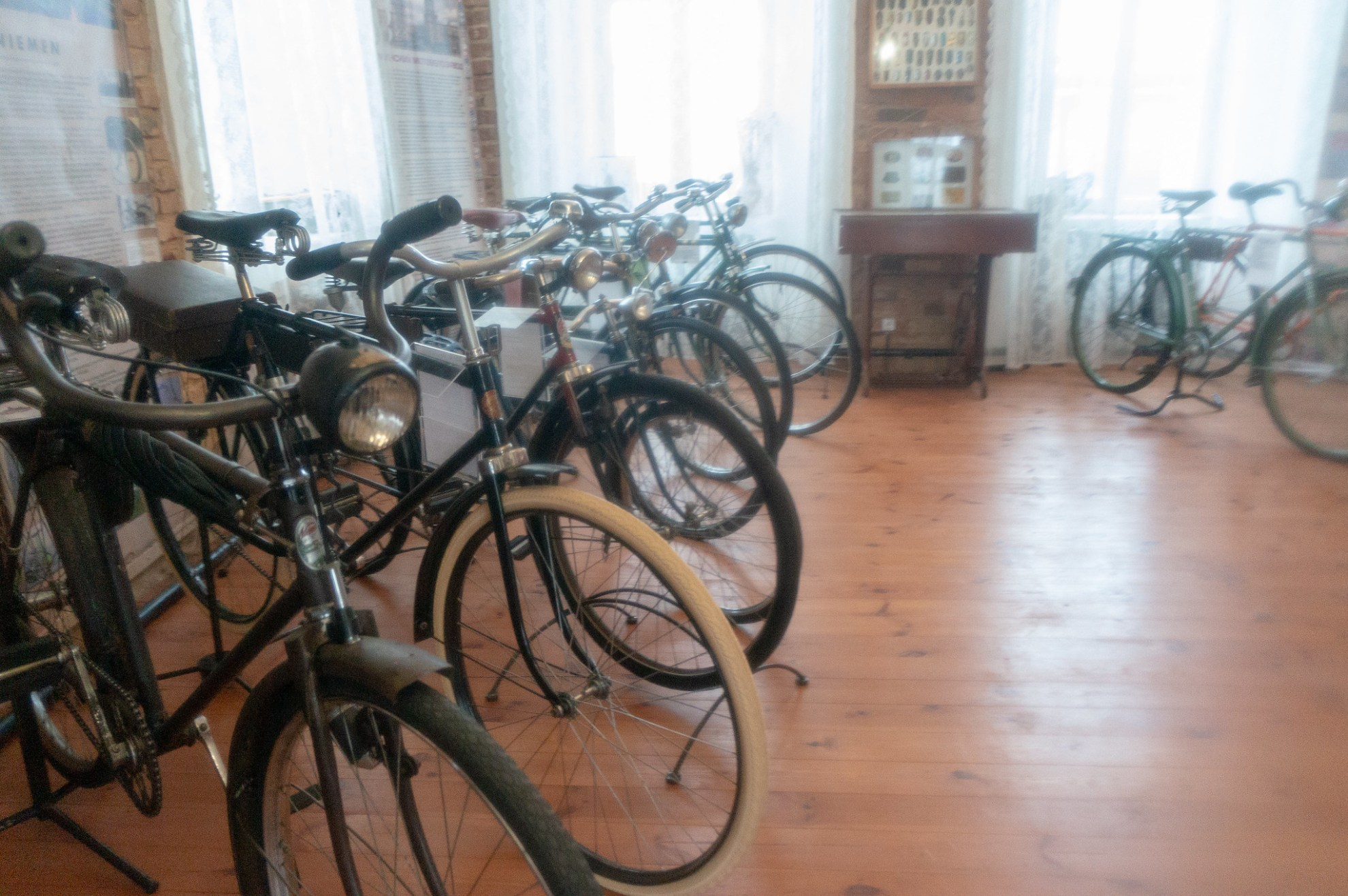 Выставка ретровелосипедов в Мире.