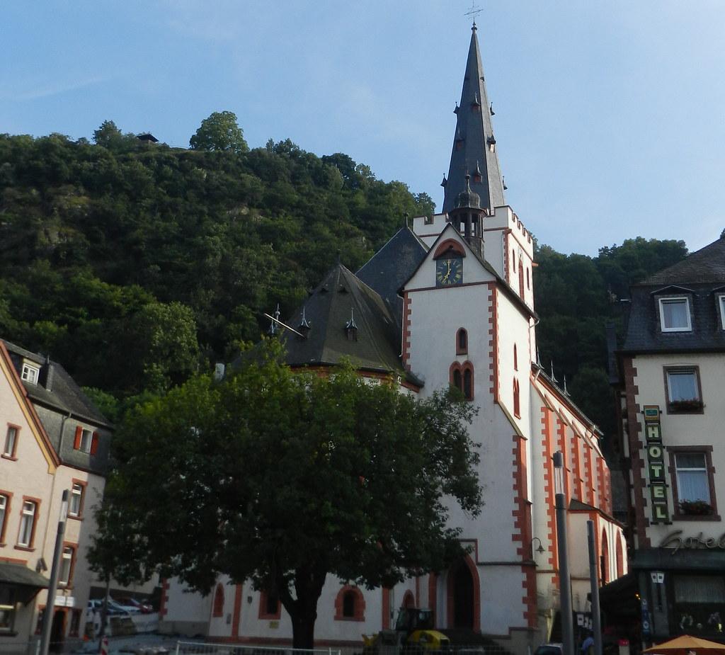 torre exterior Iglesia Colegiata de St Goar Valle del Rin Alemania 02