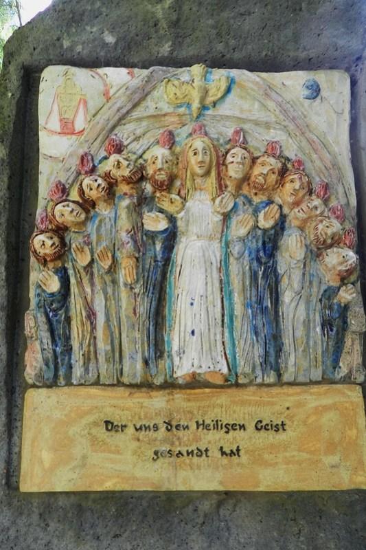 Pentecostes relieve Monasterio franciscano Marienthal Kloster franziskaner Marienthal Geisenheim Alemania