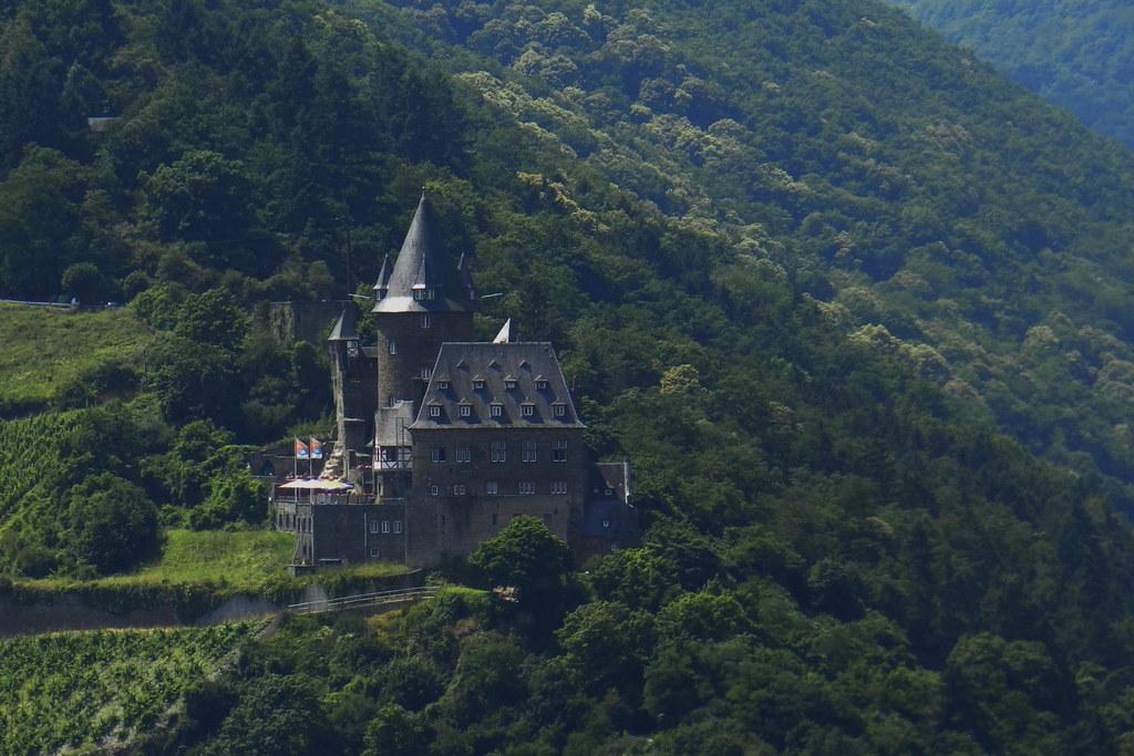 Castillo Stahleck burg en Bacharach Valle del Rin Alemania 01