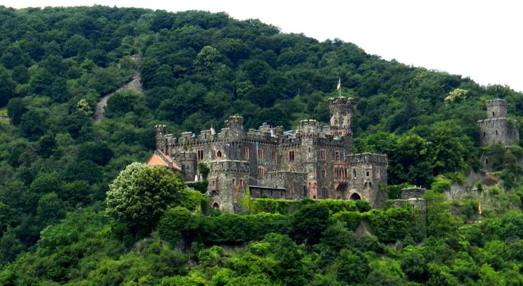 Castillo Reichenstein Burg Trechtingshausen Valle del Rin Alemania 01