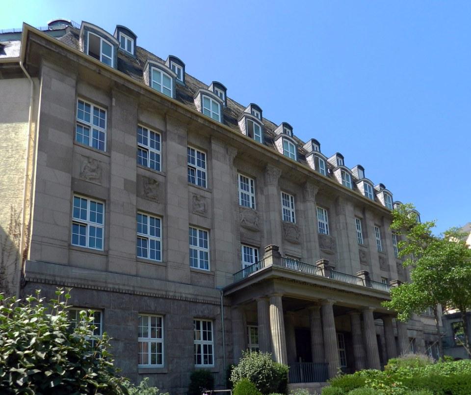 Edificio exterior de Termas Kaiser Friedrich Therme Wiesbaden Alemania
