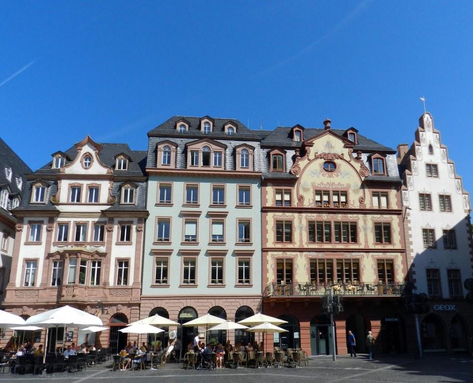 edificios en Markt Plaza de Maiz Maguncia Alemania 01