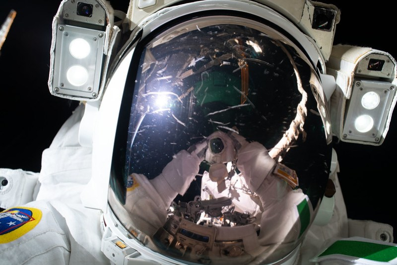 "ESA (European Space Agency) astronaut Luca Parmitano takes a ""space-selfie"""