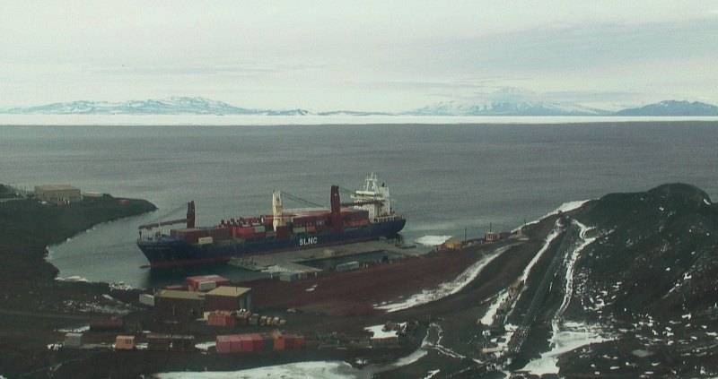 SLNC Magothy prepares to conduct cargo offload operations at McMurdo Station, Feb. 13. (U.S. Navy)