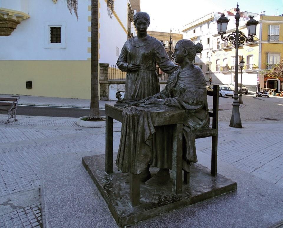 escultura Monumento a La Cigarrera calle Cuesta de las Calesas Cadiz 02
