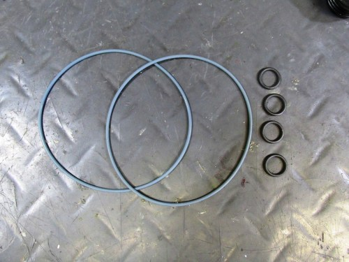 Cylinder Base O-rings and Top Cylinder Stud O-rings