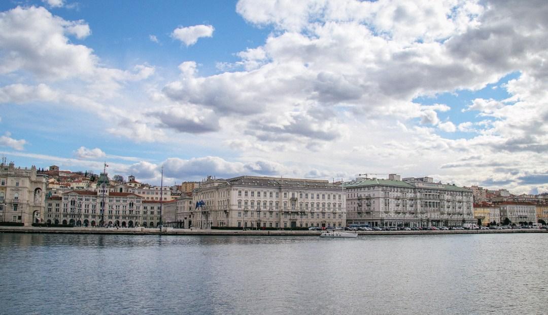 Trieste vista dal Molo Audace