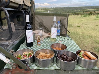 Afternoon safari snack, red or white?