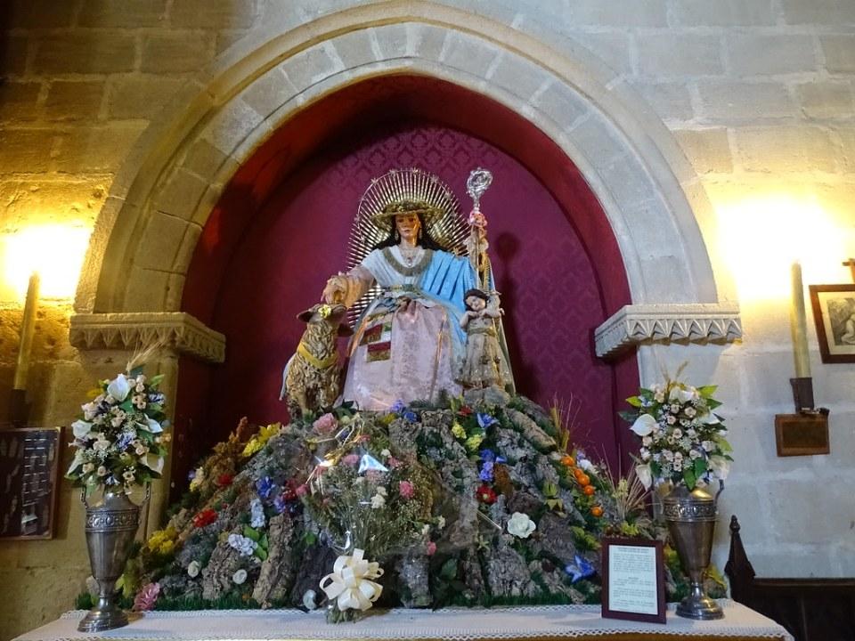 Escultura estatua imagen Divina Pastora Iglesia de San Dionisio Jerez dde la Frontera Cadiz