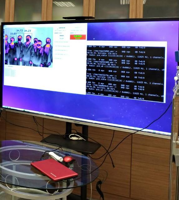 使用「YZU-ECE遠距體溫監測儀」可追蹤與鎖定多人體度