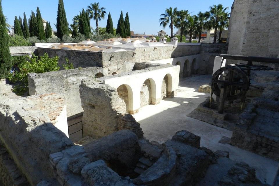 acueducto noria y pozo del Alcazar de Jerez de la Frontera Cadiz 04