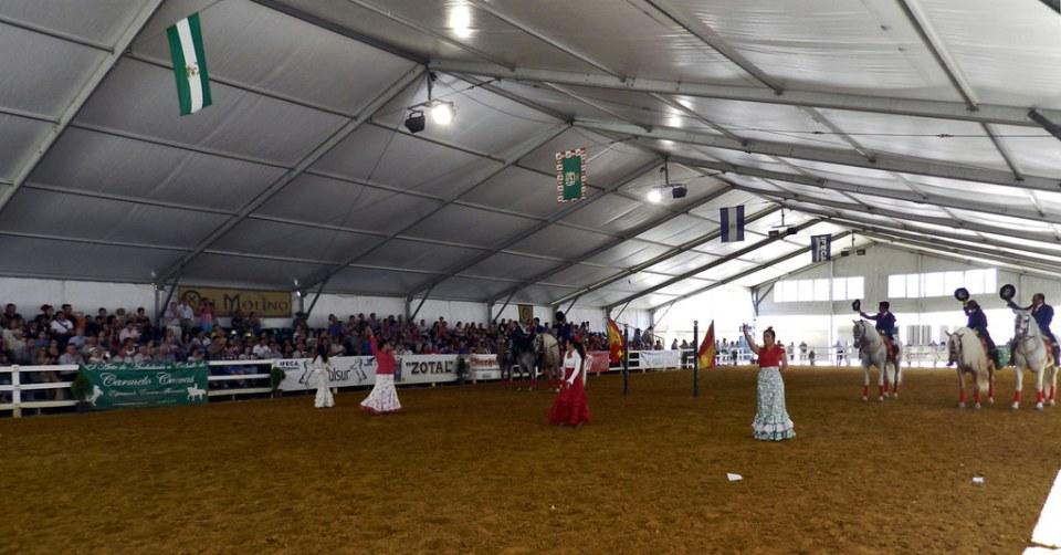 bailaoras andaluzas exhibicion de caballos espectaculo Carmelo Cuevas Parque González Hontoria Feria del Caballo 2014 Jerez de la Frontera Cadiz 01
