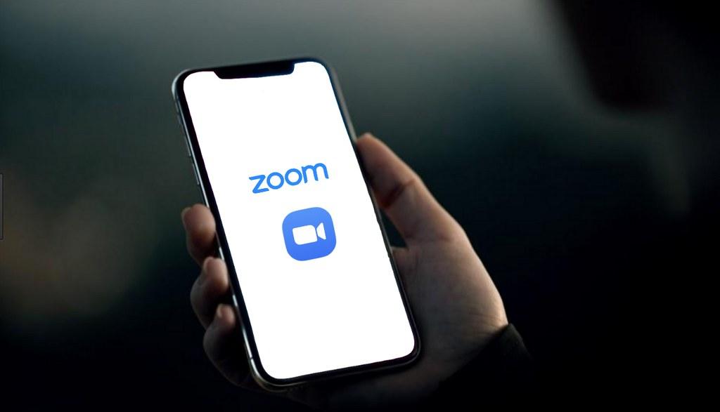 Zoom iOS版App偷傳用戶資料給臉書 緊急刪除問題程式碼