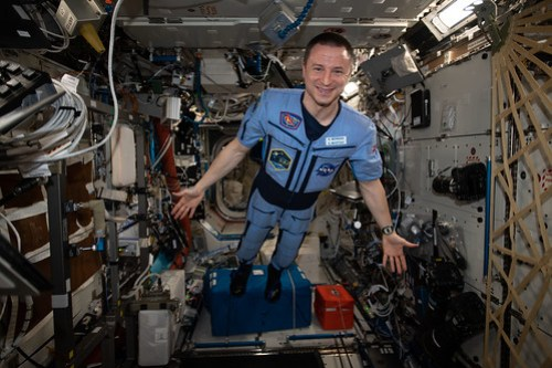 Expedition 62 Flight Engineer Andrew Morgan poses for a portrait