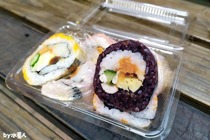 49808833722 694de8f34d b - 隱藏版壽司邊一盒20元!大隆路黃昏市場排隊美食,用料滿滿口味多