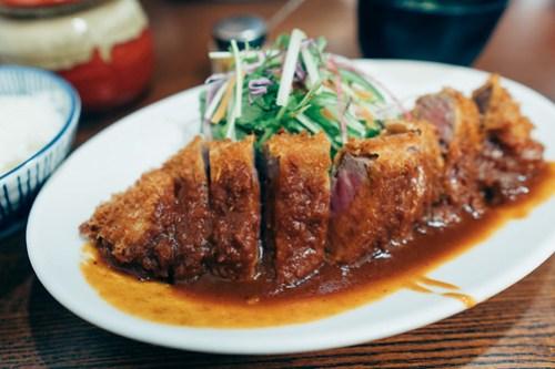 Beef katsu lunch at Yoshoku no Asahi (洋食の朝日), Kobe, Japan