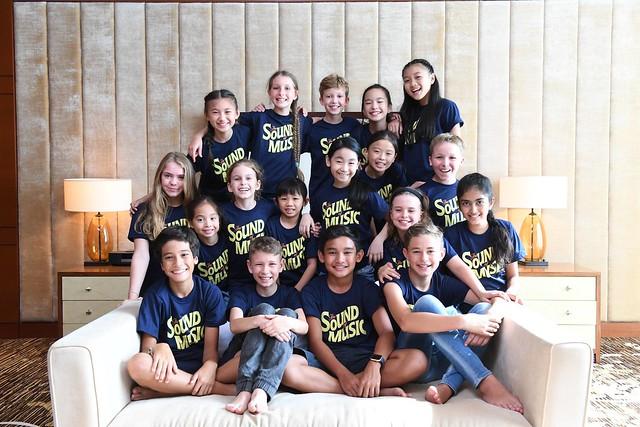 singapore-2017-von-trapp-kids