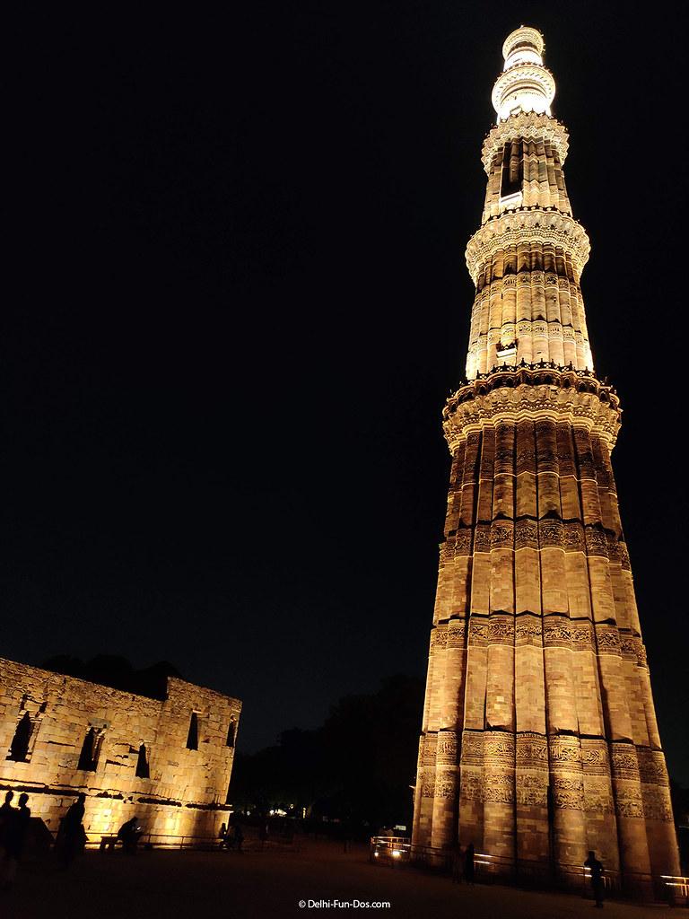 qutub-minar-at-night-delhifundos