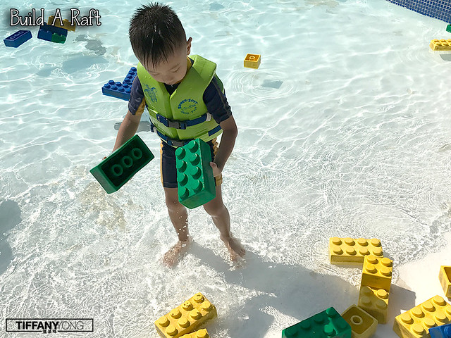 legoland-malaysia-waterpark-build-a-raft
