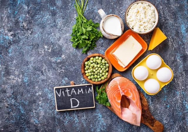 維他命D對各個器官很有幫助,不僅可以補鈣、預防骨質疏鬆,維他命D還可以調節並增加我們的免疫力、降低某些癌症的機率。
