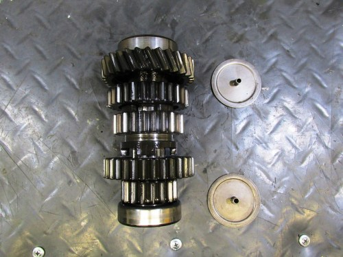 Intermediate Shaft with Identical Front and Rear Bearing Oil Baffles