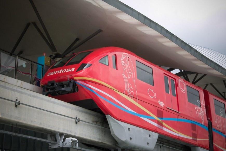 monorail-2449711_1920