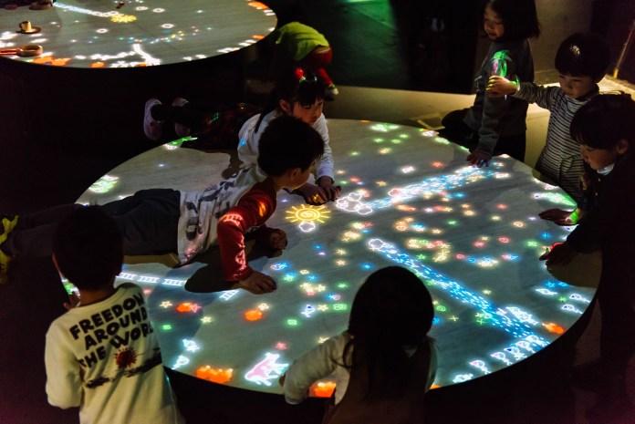 澳門 teamLab-A-Table-where-Little-People-Live_01_high