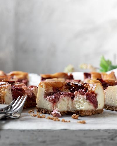 Roasted Strawberry Cheesecake BLOG (12 of 12)