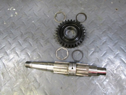 Output Shaft with 2nd Gear and Hardware