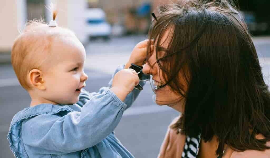tester-les-cheveux-des-femmes-pour-savoir-leur-fertilité