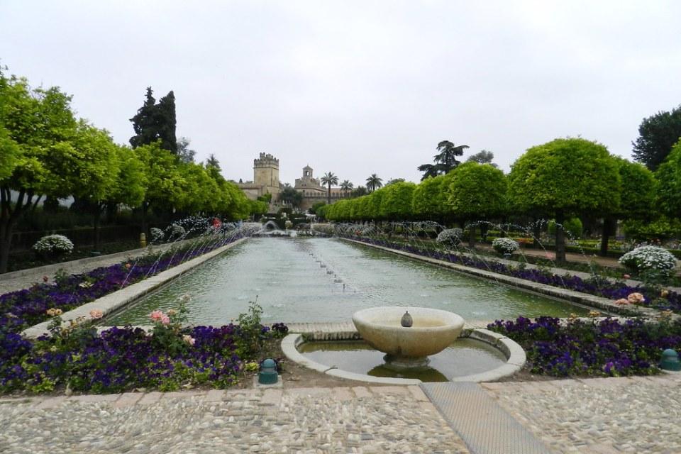 Jardin Bajo estanque y fuentes Alcázar de los Reyes Cristianos Cordoba 05